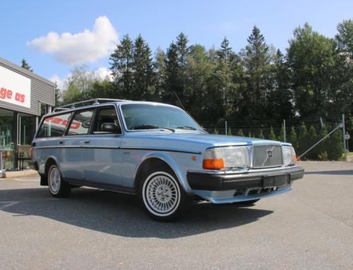 1981 Volvo 265 GLE – «lyxkombi»  – SOLGT!
